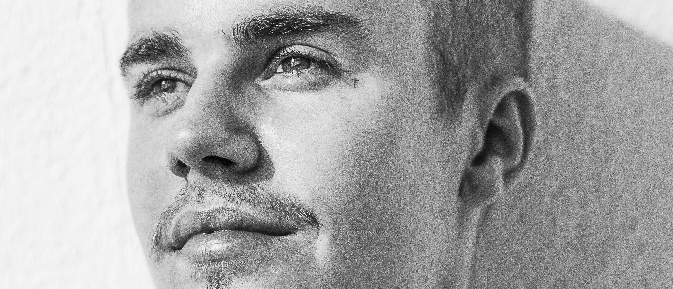 download justin bieber song all around the world